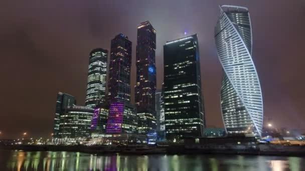 Mrakodrapy International Business Center City noční timelapse hyperlapse, Moskva, Rusko