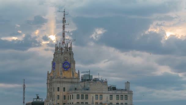 Budova Telefonica je manhattanském stylu mrakodrap na Gran Via timelapse, Madrid, Španělsko. Budova Telefonica je nejvyšší budova v centru Madridu, postavený v roce 1920.