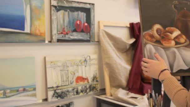 Művész, festő festékek, húz egy kép csúszka