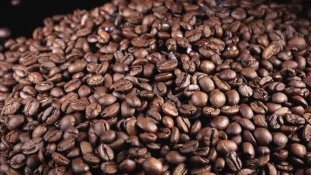 Detailní záběr kávových zrn