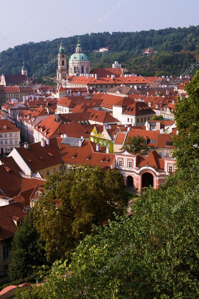 Antiguos Edificios Históricos De Praga Vista Desde La