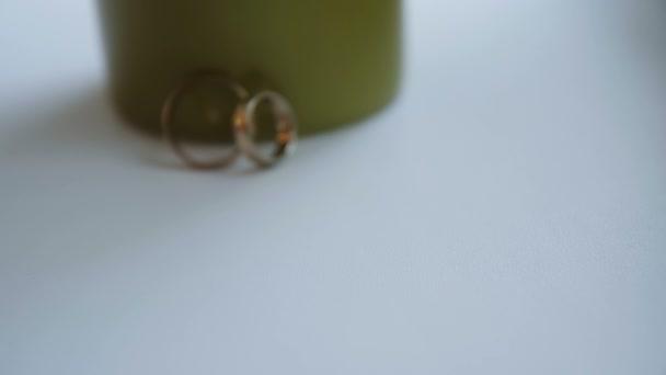 arany karikagyűrűk csúszka közelről