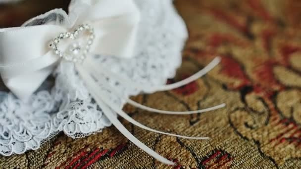 A harisnyakötő, a menyasszony szóló, egy párnát, és kész a ildiko