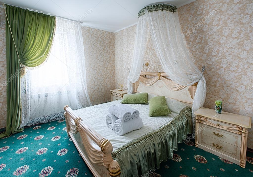 빈티지 클래식 호텔 침실 인테리어 — 스톡 사진 © Milkos #103478268