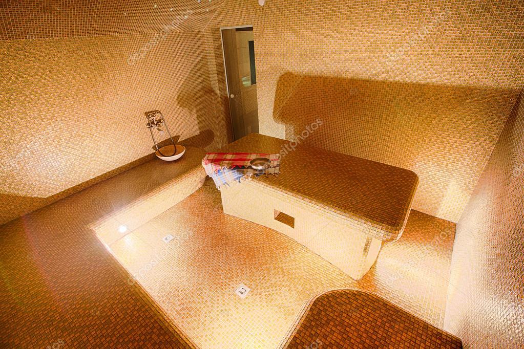 Interno del bagno turco hammam presso il centro benessere u foto
