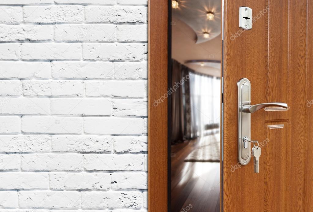 Charmant Half Open Door Of A Modern Living Room Closeup. U2014 Stock Photo