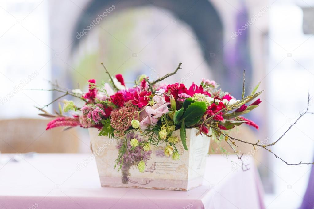 Beautiful flowers bouquets decor — Stock Photo © Milkos #68405415