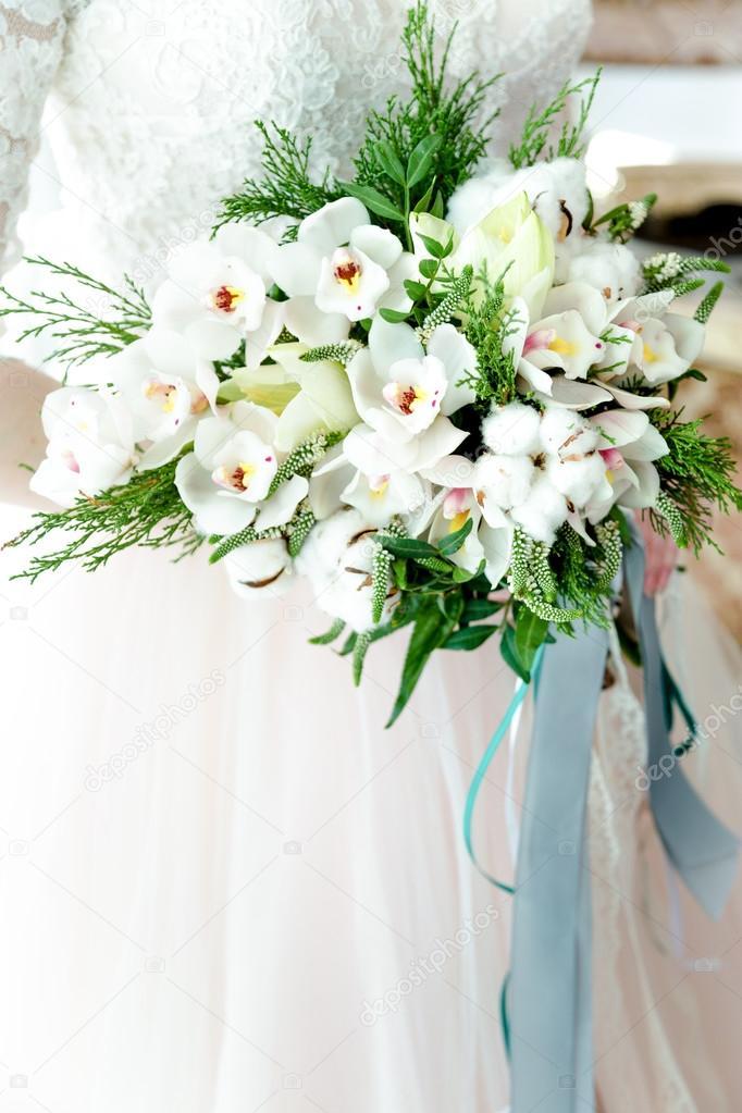 Schone Hochzeit Blumenstrauss In Der Hand Stockfoto C Smmartynenko