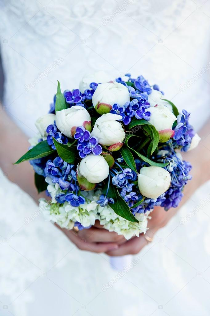 Fiori Blu E Bianchi.Bouquet Of Blue And White Flowers Stock Photo C Smmartynenko