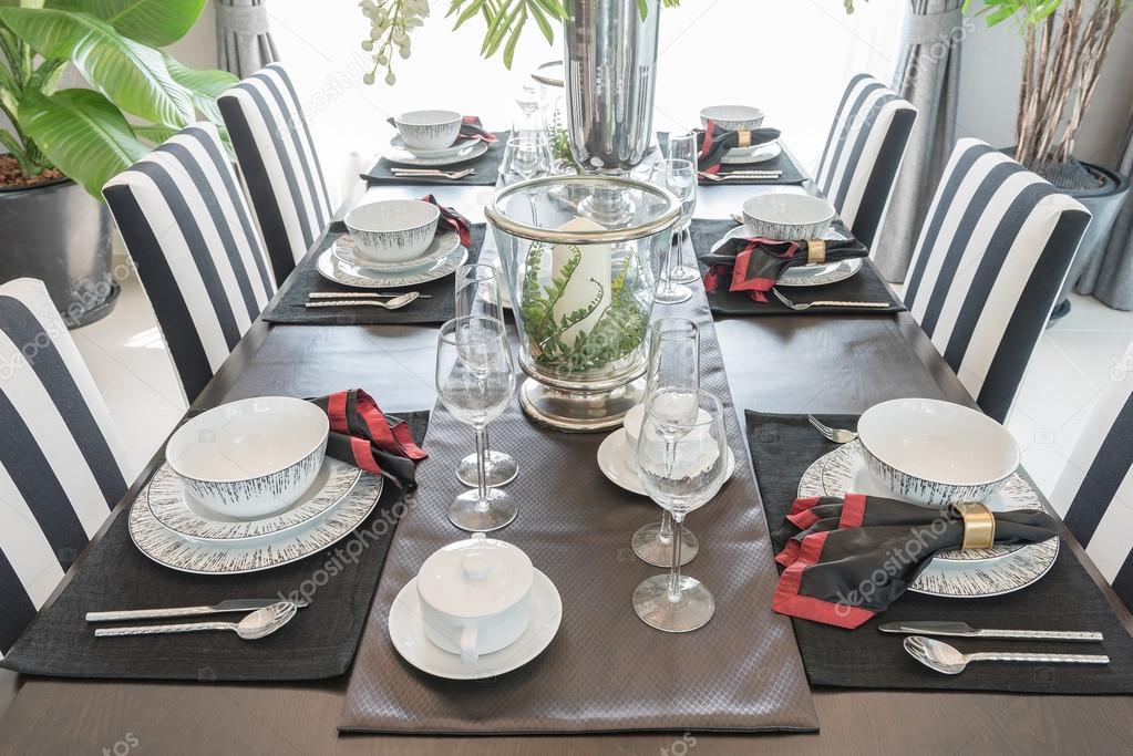 Luxe Eetkamer Set.Table Set On Wooden Table In Luxury Dining Room Stock Photo
