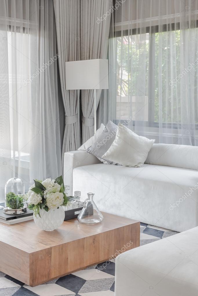 de reeks van de luxe witte Bank met kussens in de woonkamer ...