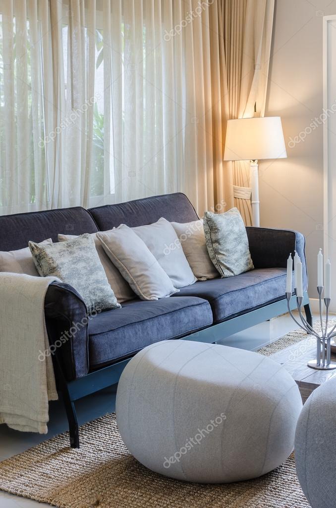 Luxus-Wohnzimmer mit Sofa blau — Stockfoto © khongkitwiriyachan ...