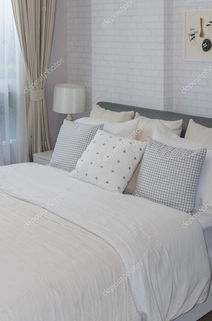 chambre individuelle moderne blanc à la maison — Photographie ...