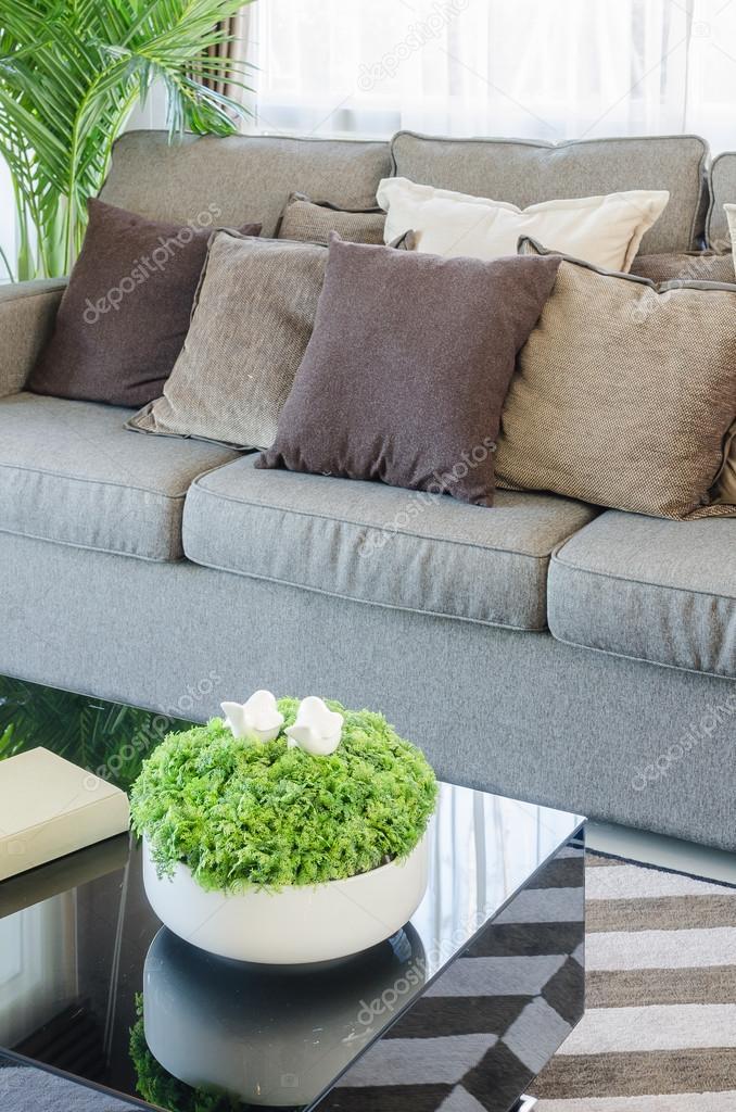 Vase Von Pflanzen Auf Schwarzer Tisch In Moderne Wohnzimmer U2014 Stockfoto