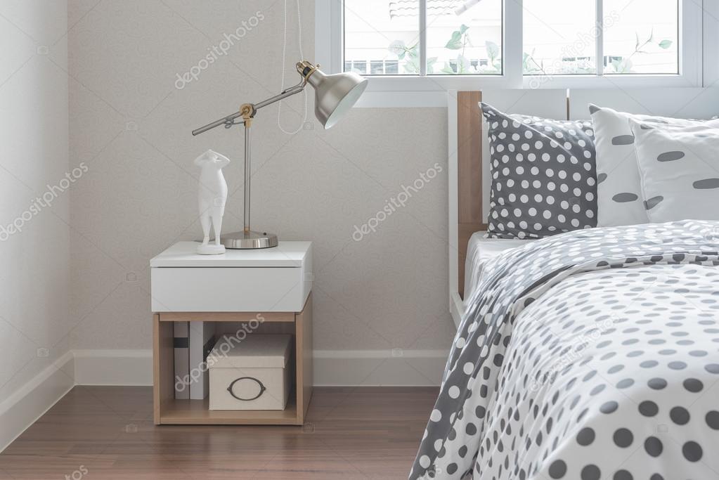Nowoczesne Lampy Na Stolik Nocny Z łóżka Drewniane Zdjęcie