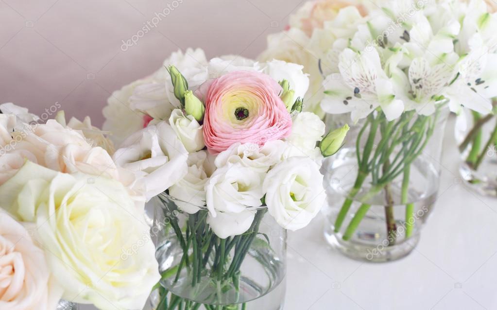 Wedding flower arrangement pink ranunculus white roses stock wedding flower arrangement pink ranunculus white roses fotografia de stock junglespirit Choice Image