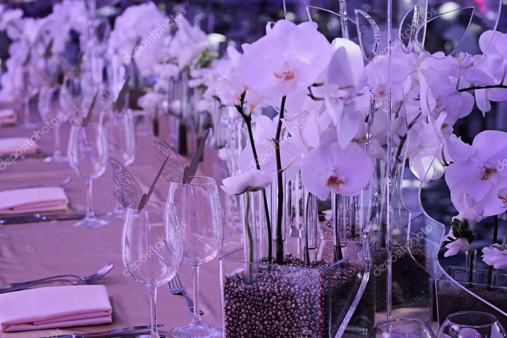 Orchid Wedding Decoration White And Gold Colors Wedding Table For