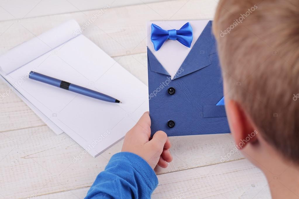 Child making greeting card for father Handmade Dad Happy Birthday – Card Making Birthday Card Ideas