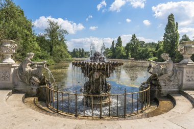Fountain with flowing water in Hyde Park, London, UK