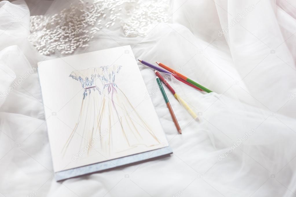 dibujos: diseños de vestidos | dibujo de vestidos de novia en una