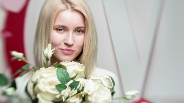 krásná žena v romantickém stylu