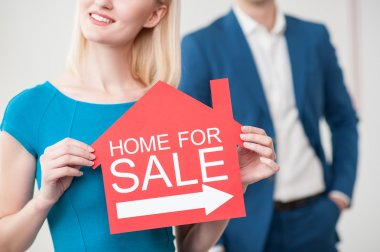 Skillful estate agents are waiting for customers