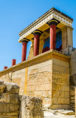 Ruins Knossos Palace, murals, artifacts.