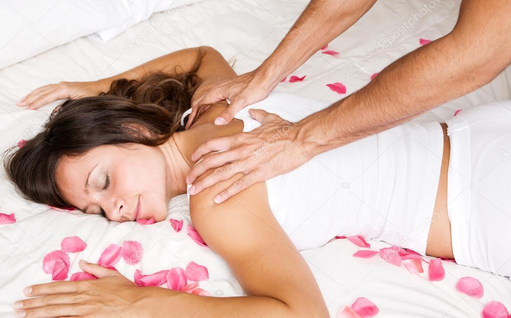 вышла массаж в постели заметили
