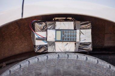 radyo kontrol ve dijital geri sayım sayacı ile siyah bomba