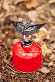 Fényképek gáz főzőlap-val egy piros léggömb
