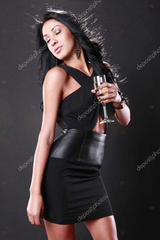 e237dc644e4e Celebra la ragazza in abbigliamento di sera — Foto Stock © Redav ...