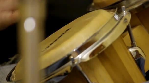 Záznam hudby a hraní na kytaru