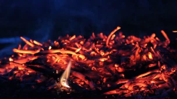 noční požár