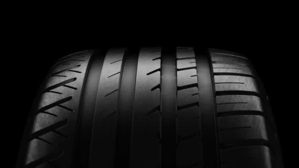 Auto a pneumatiky letní kolo otáčet pohybu izolát černý