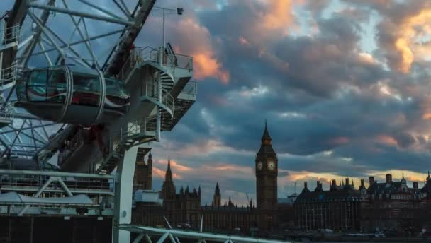 Londýn, Velká Británie - 2016.04.05: Big Ben a London Eye sunset Time-Lapse