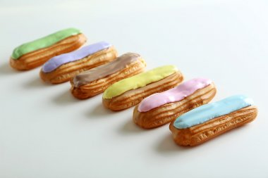 baked eclairs with glaze