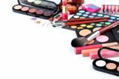 štětec make-up a kosmetiku