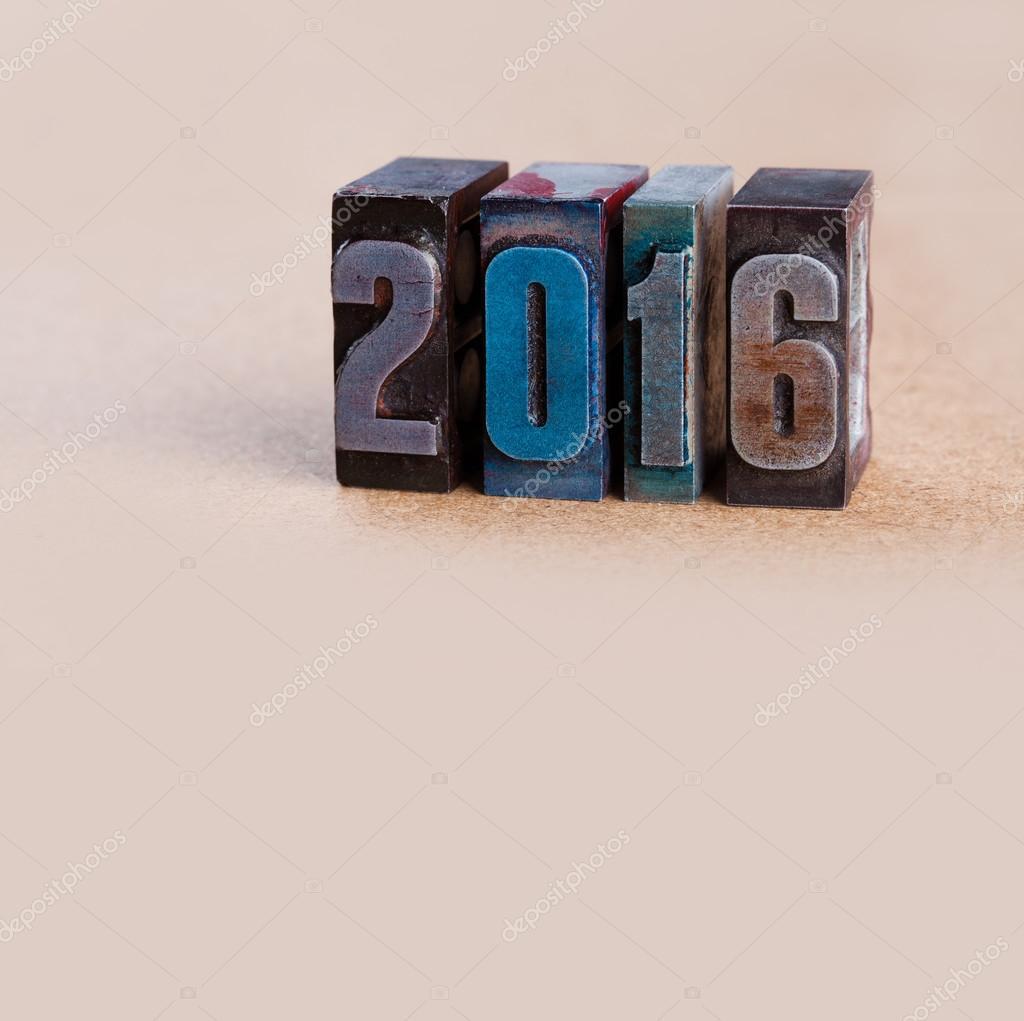 Neues Jahr-Postkarte-Vorlage. in Vintage bunten Metall-Buch-Typ ...