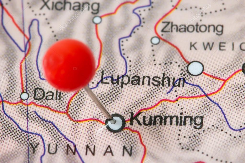 Pines en un mapa de kunming foto de stock tuomaslehtinen 98526710 primer plano de una chincheta roja en un mapa de kunming china foto de tuomaslehtinen gumiabroncs Choice Image