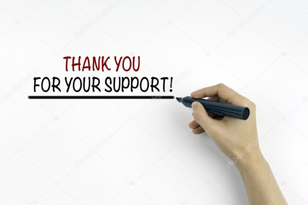 Main avec l'écriture de marqueur : je vous remercie pour votre