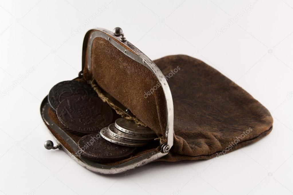 Старый кошелек будет превращен — стоковое фото