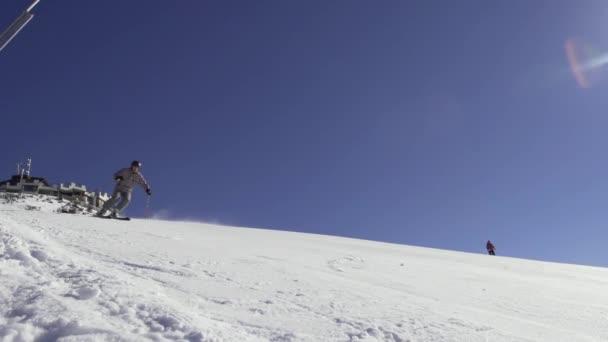 Profesionální lyžař Carving