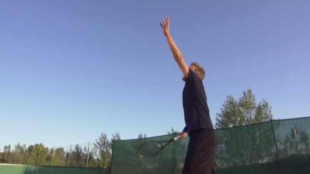 Přehrávač Slouží tenisový míček
