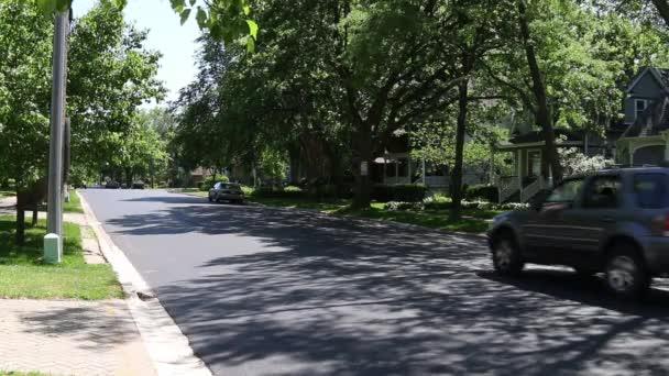 Általános külvárosi házak és utcák