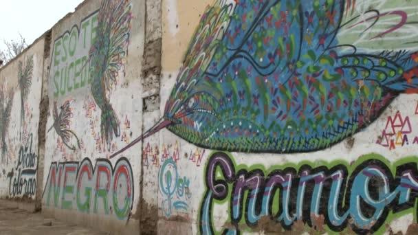 graffiti na zdi v Peru