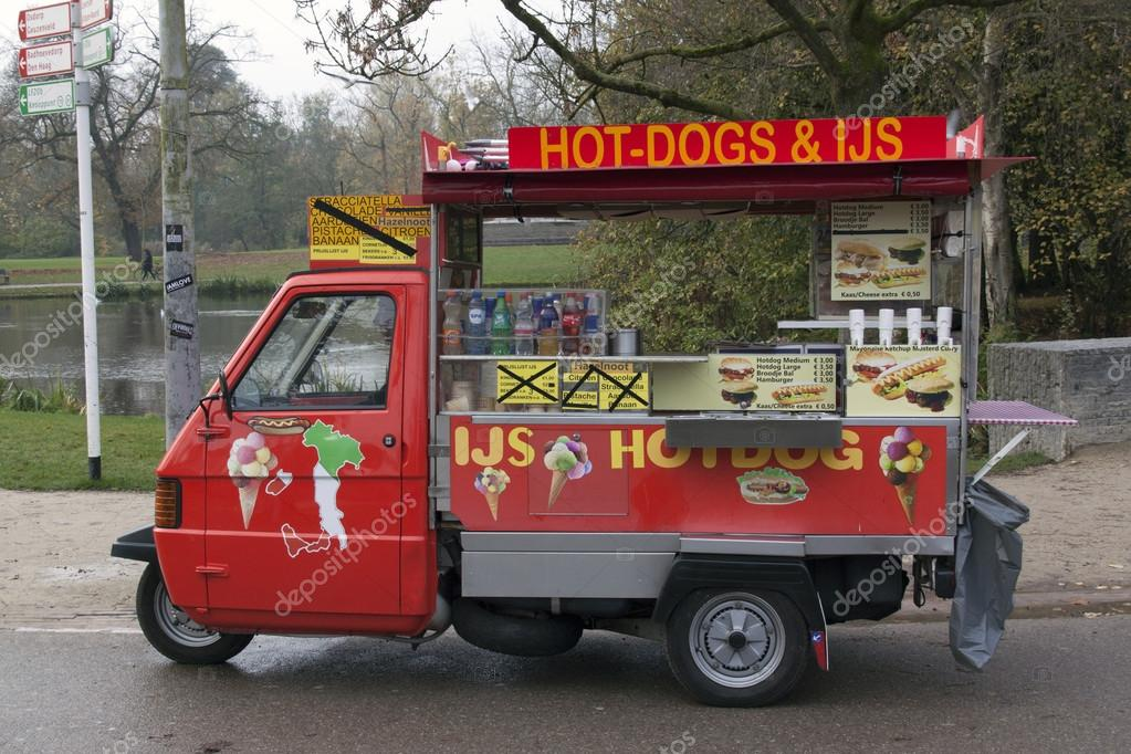 voiture de hot dog vespa piaggio ape 50 photo ditoriale. Black Bedroom Furniture Sets. Home Design Ideas