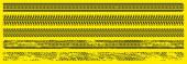 Schwarze Autoreifenspuren, Gummiradabdrücke auf der Straße oder Schmutz. Grunge-Spuren von LKW, Motorrad oder Autoreifen. Vektor-grafische Reihe von Trittmarken isoliert auf gelbem Hintergrund