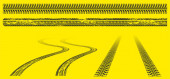Reifenspuren, Offroad-Grunge-Reifenabdrücke, abstrakte Autoräder schwarzes Muster auf gelbem Hintergrund. Rallye, Motocross geraden und welligen schmutzigen Spuren, Off-Road-Trails Textur isolierten Vektor-Set