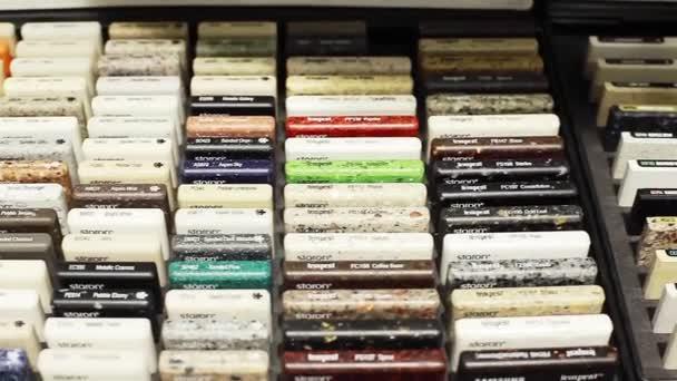 Katalog kamenných vzorků pro design povrchů nábytku kuchyně