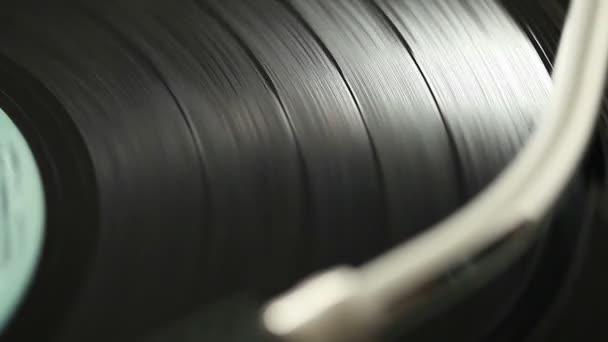 Retro vinyl na gramofonu